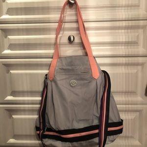 Lululemon gray expandable tote/gym bag.